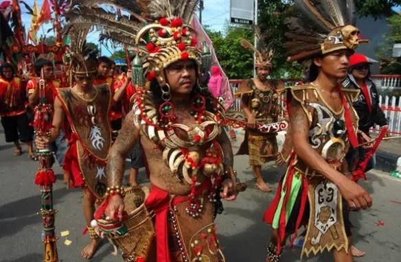 7 Pakaian Adat Dayak Kalimantan Barat Tengahtimur Dan
