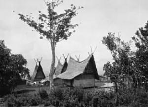 Rumah Adat Jawa Barat Capit Gunting