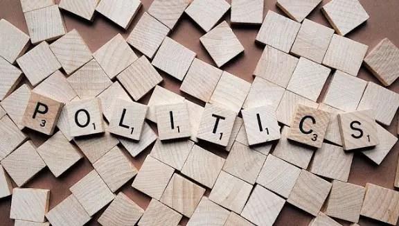 Informasi terkait dengan pengertian sistem politik dibahas dari berbagai aspek