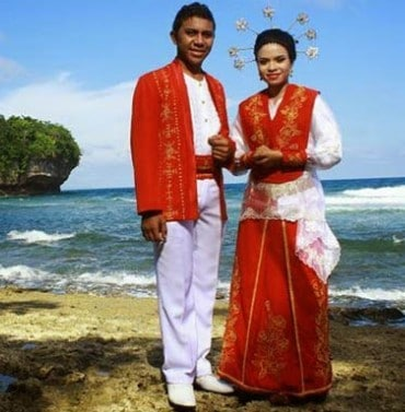 80 Gambar Baju Adat Maluku Tengah Kekinian