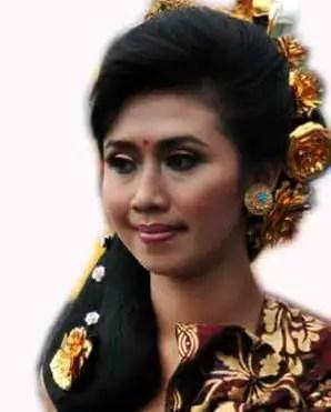 Pakaian Sanggul Bali