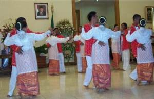 Pakaian Tradisional Maluku