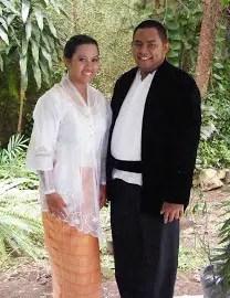 Ulasan Pakaian Kebaya Hitam Gereja Maluku