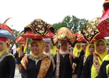 Tari Tudung Saji, Tarian Sumatera Barat