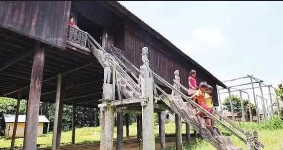 Rumah Tradisional Kalimantan Tengah
