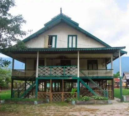 Rumah Tradisional Sulawesi Tengah