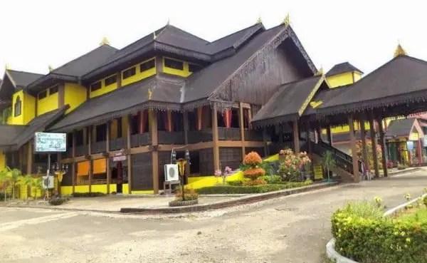 Rumah Adat Melayu Kalimantan Barat