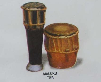 Alat Musik Tifa Merupakan alat musik ritmis yang unik