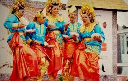 Artikel mengenai Tari Pingan Kalimantan Barat dan asal daerahnya