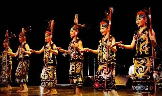 Artikel tentang Tari Gantar Busai Kalimantan Timur dan Keunikannya