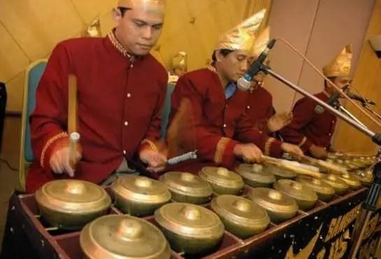 Artikel tentang alat musik Melodis Bonang dan penjelasannya