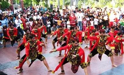 Artikel terkait Tari Cakalele Maluku dan Asal Usulnya