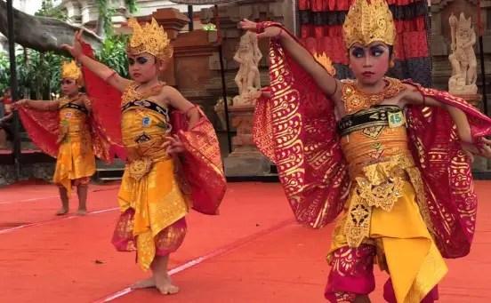 Info tentang artikel Tari Manukrawa Bali dan penjelasannya