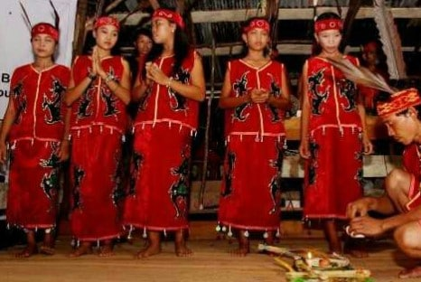 Penjelasan mengenai Tari Jonggan Kalimantan Barat dan Ciri Khasnya