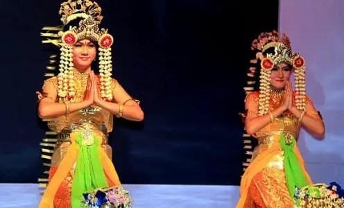 Ulasan mengenai Tari Baksa Kembang daerah Kalimantan Selatan dan ciri khasnya