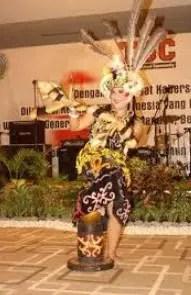 Ulasan mengenai Tari Ngelewai tradisional Kalimantan Timur serta sejarahnya