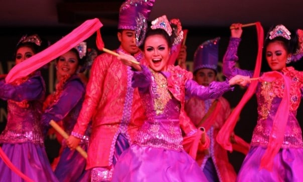 Ulasan terkait dengan Tari Jepen Kalimantan Timur dan Sejarahnya