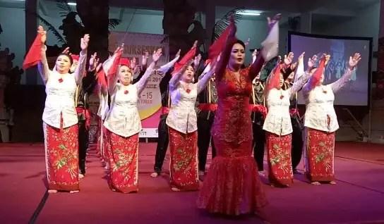 Info tentang Tari Maengket Sulawesi Utara dan Pola Lantainya