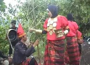 Info tentang Tari Toerang Batu Sulawesi Barat dan sejarahnya