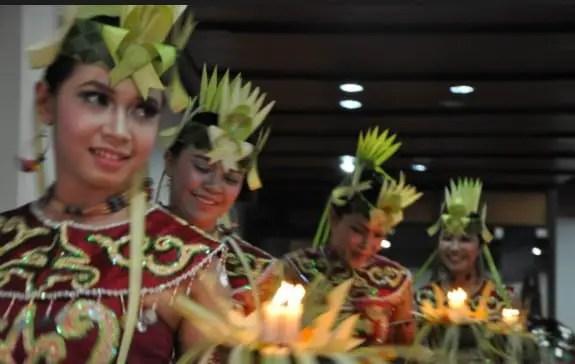 Info terkait dengan Tari Dadas Kalimantan Tengah dan sejarahnya