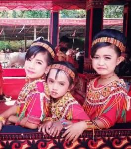 Informasi Terkait Dengan Baju Adat Kandore Sulawesi Barat dan Sejarahnya
