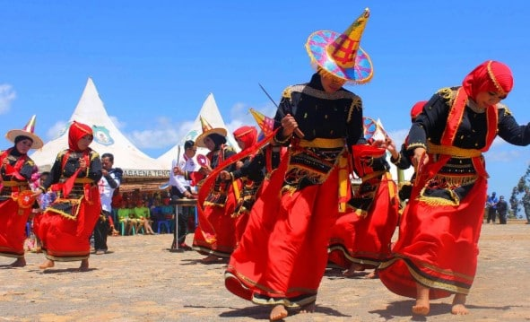 Informasi terkait dengan Tari Lumense Sulawesi Tenggara yang perlu diketahui