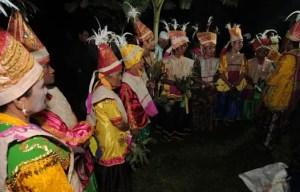 Review mengenai Tari Balia Sulawesi Tengah yang Menarik