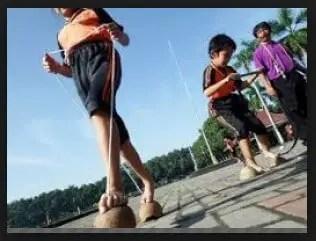 Ulasan Mengenai Permainan Kelom Batok Jawa Barat yang Unik