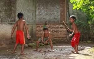 Ulasan mengenai Permainan Patil Lele Jawa Timur dan Ciri Khasnya