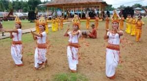 11 Tarian Tradisional Daerah Sulawesi Selatan, Gambar dan Keterangannya