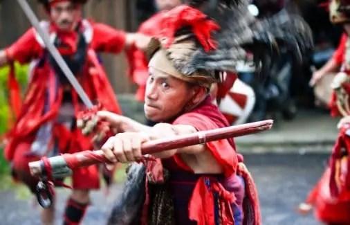 Uraiana mengenai Tari Kabasaran Sulawesi Utara dan ciri khasnya