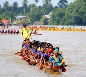 Info tentang upacara Menyemah Laut Riau dan Ciri Khasnya