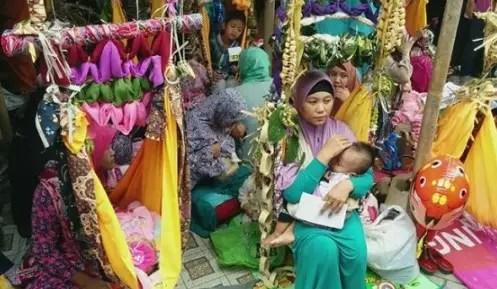 Informasi Upacara Baayun Mulud Kalimantan Selatan dan Penjelasannya