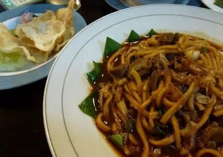 Review tentang Masakan Mie Aceh Tradisional yang populer
