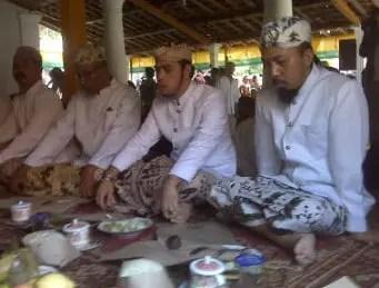 Review tentang Nyalawean Upacara Adat Jawa Barat
