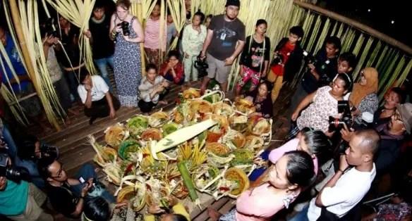 Review tentang Upacara Aruh Ganal Kalimantan Selatan dan Keunikannya