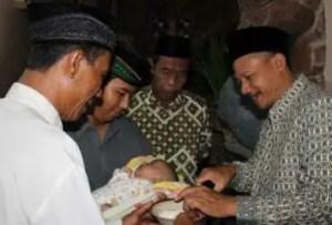 Ulasan Mengenai Upacara Cukuran Jawa Barat dan Keunikannya