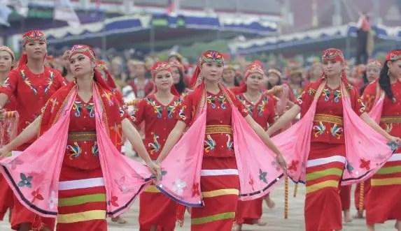 Ulasan mengenai Upacara Adat Dahau Kalimantan Barat dan Penjelasannya