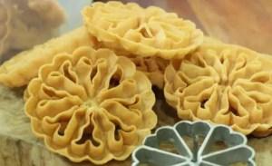 Ulasan tentang Makanan Tradisional Kembang Goyang Bengkulu yang gurih rasanya