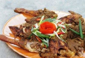 Ulasan tentang Makanan Tradisional Manuk Napinadar Sumatera Utara yang banyak dicari