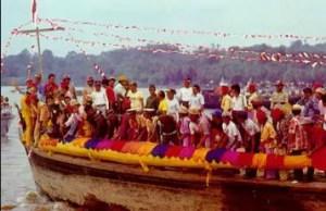 Ulasan terkait dengan Upacara Erau Kalimantan Timur yang keren