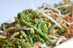 Uraian terkait dengan Makanan Tradisional Anyang Pakis Sumatera Utara yang rasanya enak