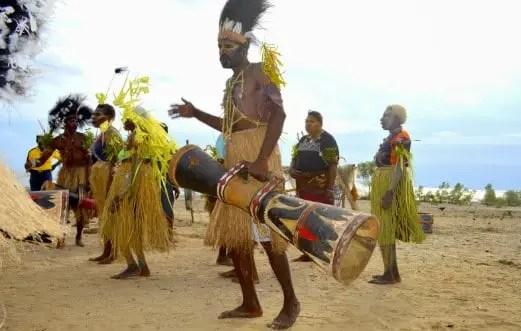 Info terkait dengan Upacara Tanam Sasi yang ada di Papua