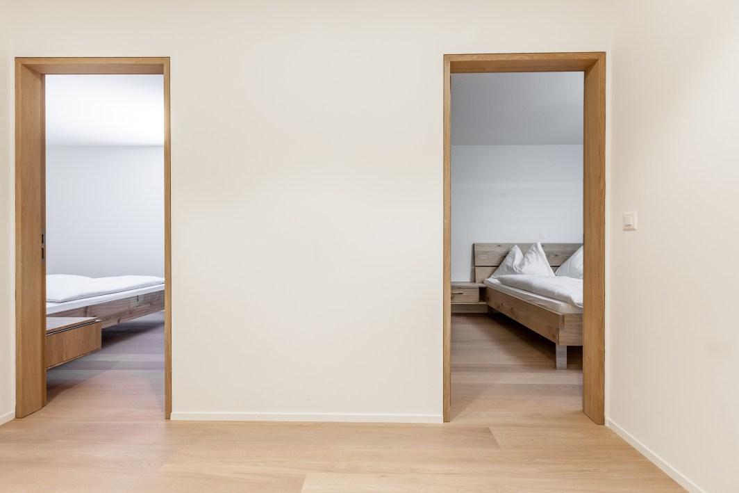 Ansicht Flur Blick zu Schlafzimmer Wohnung Sils