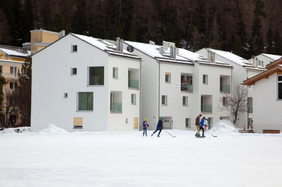 Aussenansicht Wohnung Sils Winterimpression