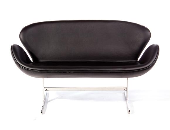 Swan Sofa Black