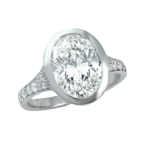 Silverhorn-oval-diamond-ring