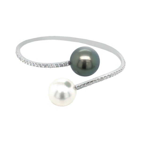 Silverhorn 18kt white gold & diamond bracelet Accented white black and white pearls