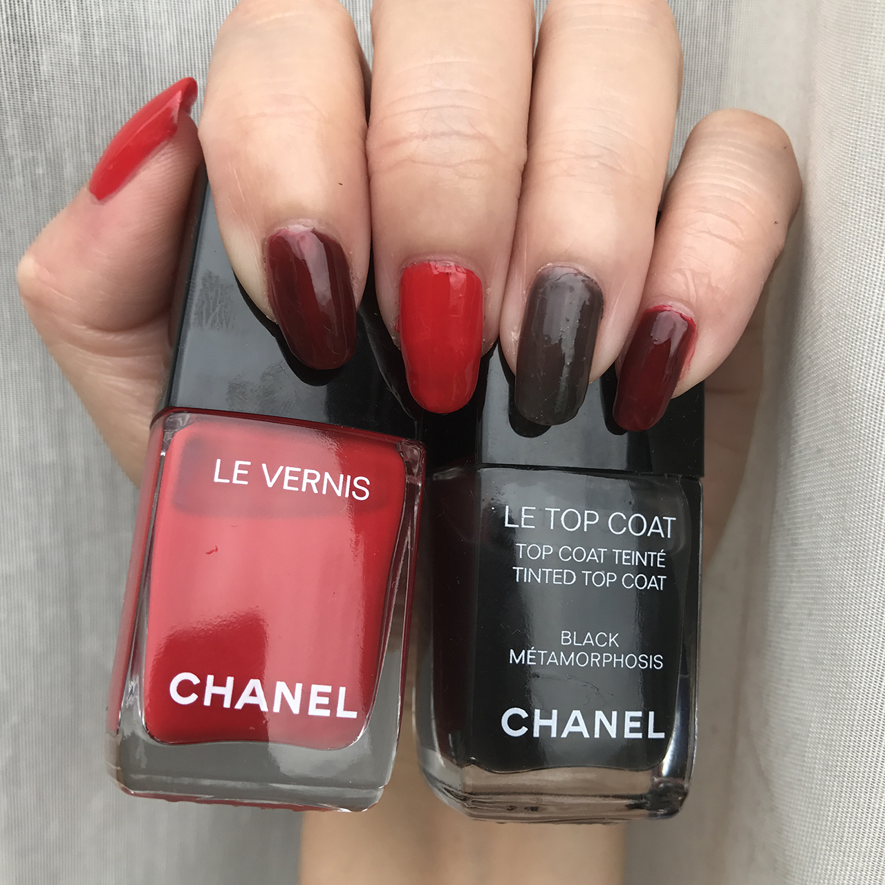 Chanel Le Vernis Rouge Red & Le Top Coat Black Metamorphosis