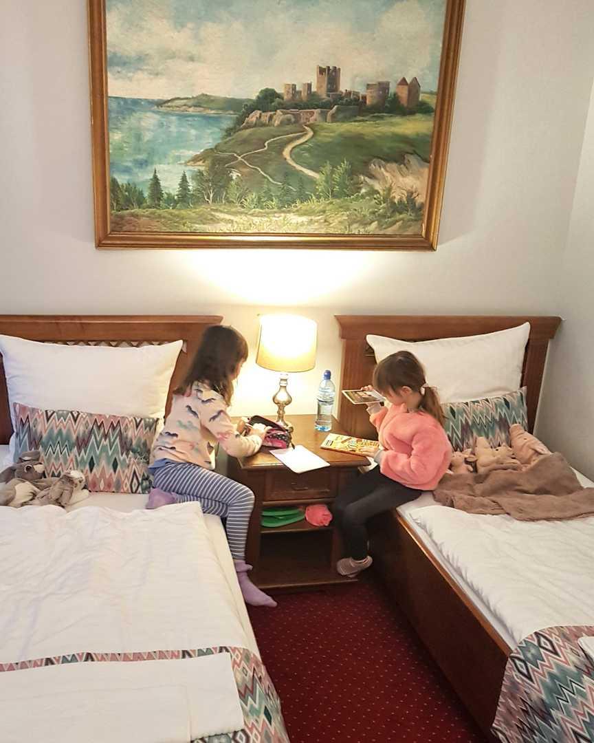 pokój rodzinny w pałacu Brunów